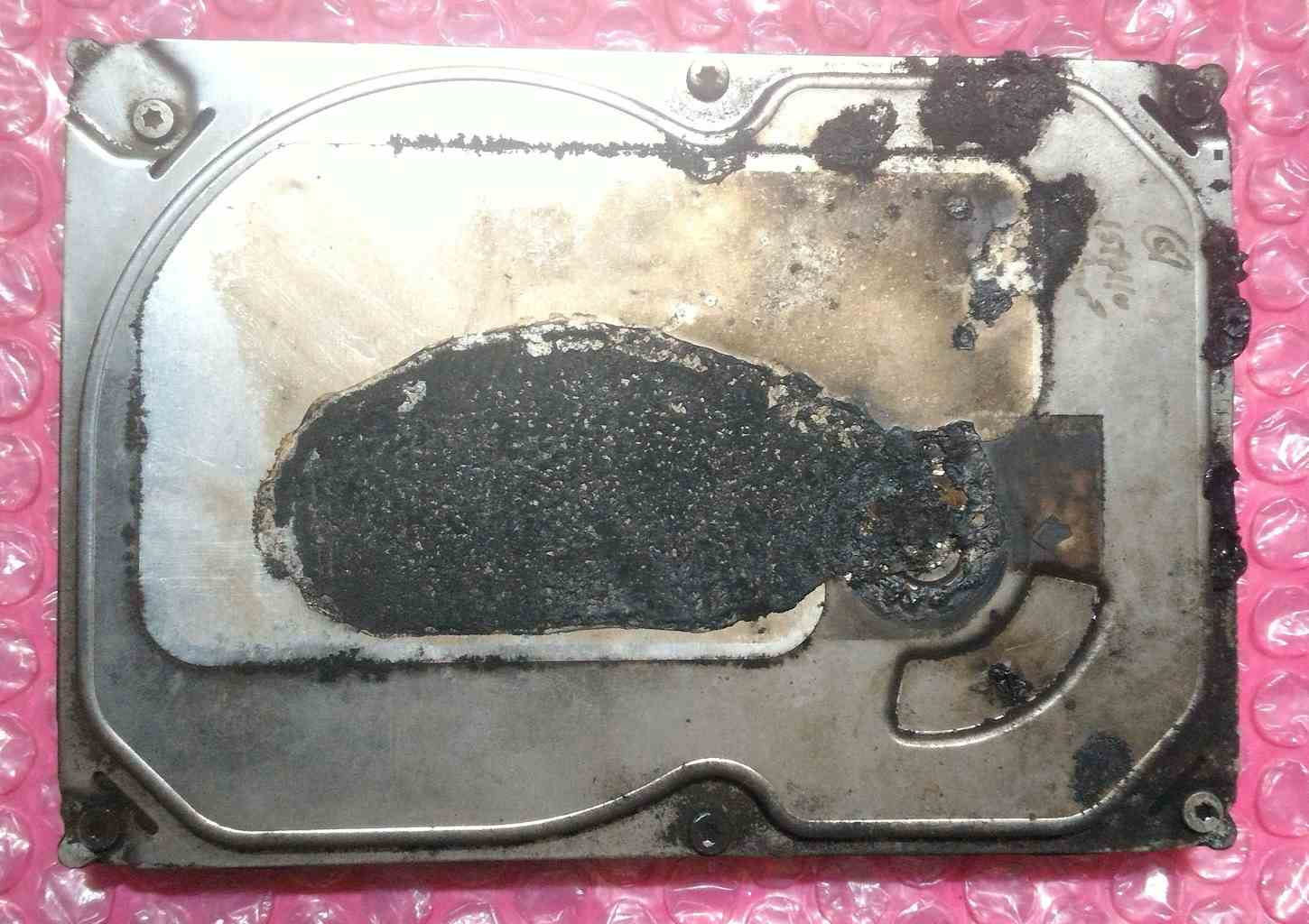 Burnt-fire-damaged-hard-drive-frontside1